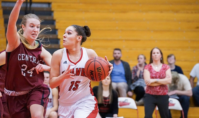 Sydney Azorr enters her sophomore season with the Wolves after averaging 19 minutes played and 4.1 points per game as a freshman.